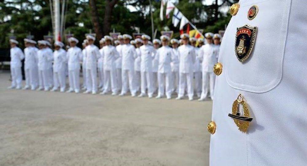 316 denizci astsubay tek seferde TSK'dan atıldı